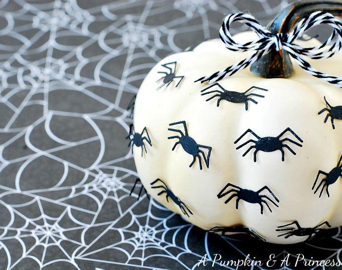 Spider Pumpkin #Halloween #LifestyleCrafts