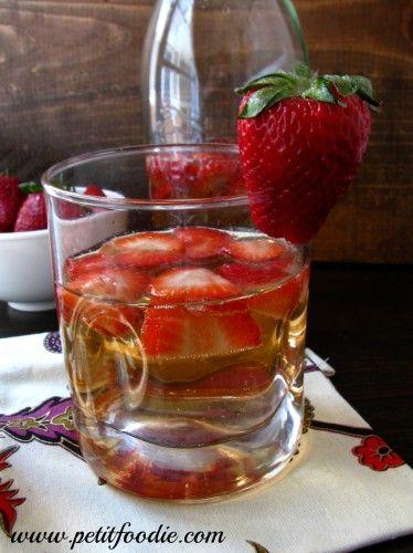 Sparkling Strawberry Sangria | Recipe