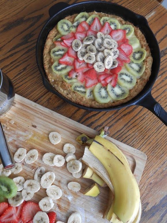Deep Dish Fruit Pizza Recipes — Dishmaps