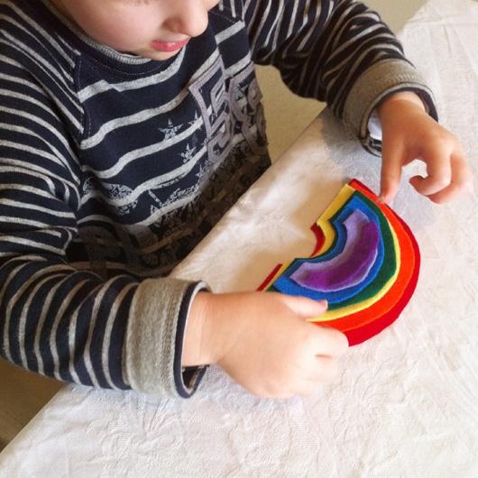DIY Felt Rainbow Size Sorting Game