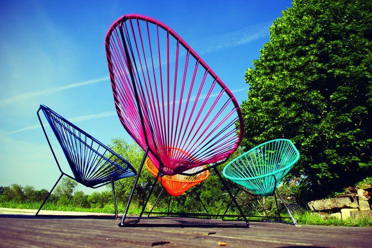 une terrasse coloré avec des fauteuils Acapulco Boqa!