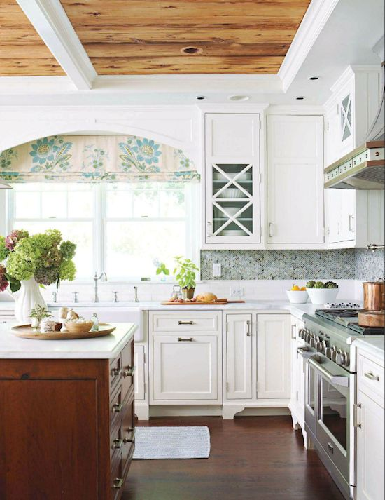Gorgeous kitchen designed by Rebecca Reynolds of New Canaan Kitchens and photographed by Michael Partenio!