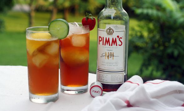 The perfect Pimm's cup | happy housewife | Pinterest