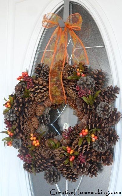 How to Make an Autumn Pine Cone Wreath