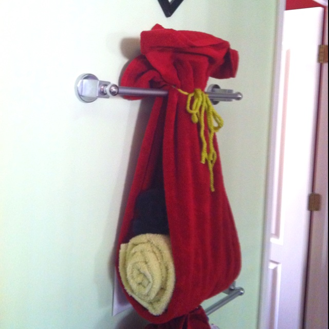 Fun ways to hang bath towels decorations pinterest