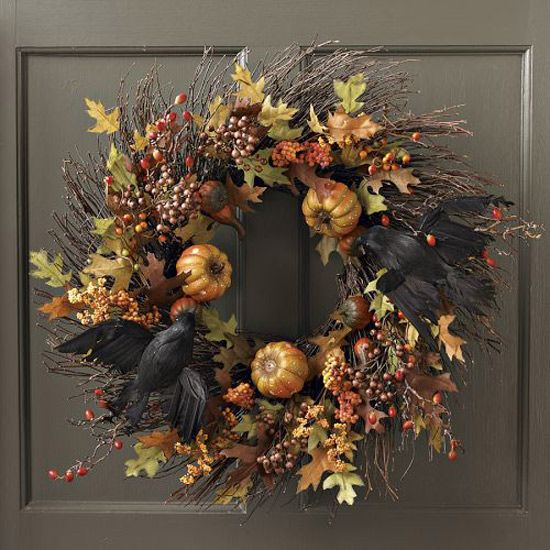 Black Flower And Crow Halloween Wreath: Great Wreath With Crows