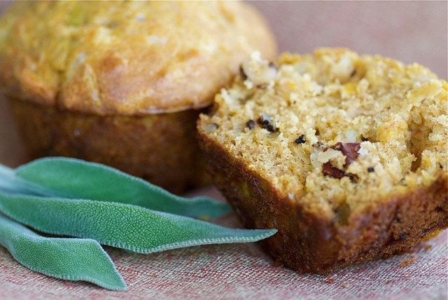 Savory Butternut Squash Muffins with Apples, Caramelized Onions, and ...