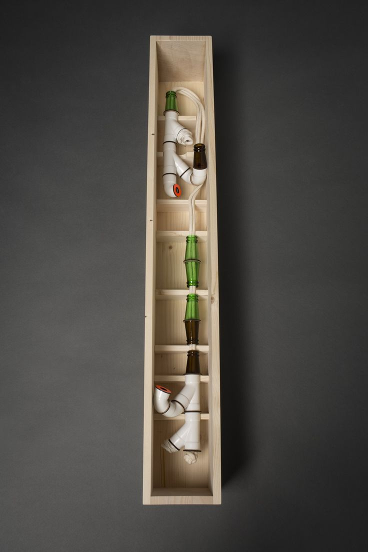 Lucile Burnier - non consigné - Matériaux : Verre de bouteille bière / vin Coton Porcelaine Bois Vinyl Packaging : Bois
