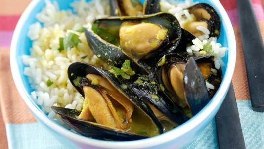 Coconut Curry Mussels Recipe...not sure I'll ever be brave enough to ...