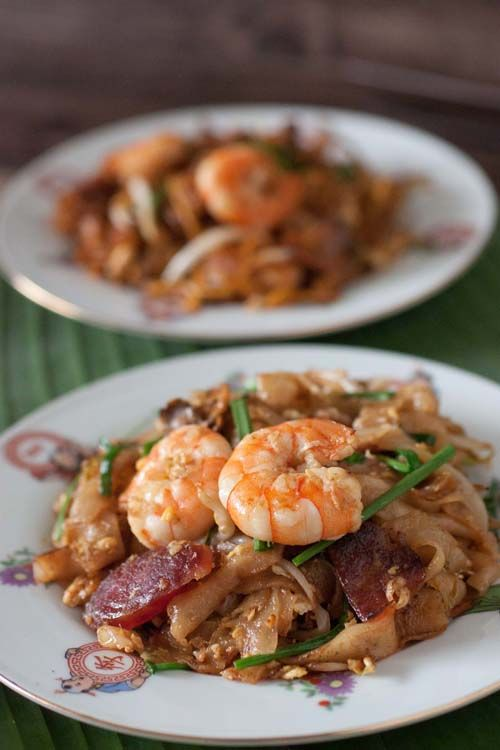 Penang Char Kuey Teow, Flat Rice Noodles with Prawns and Chinese ...