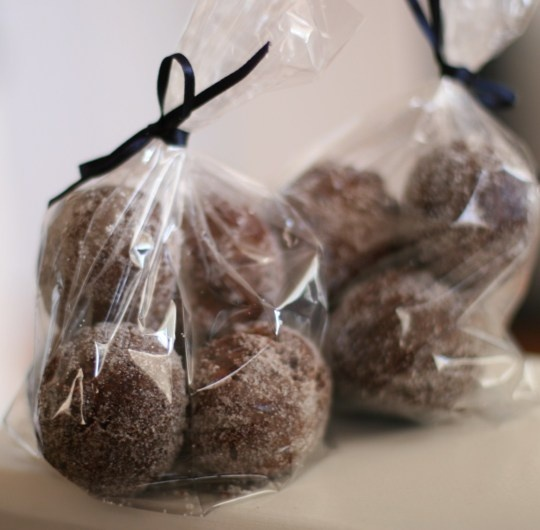 Chocolate donut holes | Yummm | Pinterest