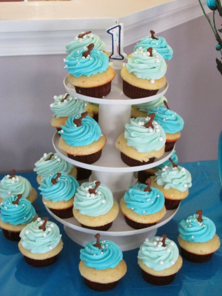 Boy Cupcake Ideas : 1st birthday boy. cupcake tree Birthday Ideas Pinterest