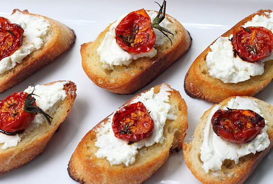Chèvre and roasted tomato crostini   Appetizers/snacks   Pinterest