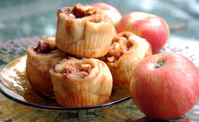 Apple Cinnamon Rolls | Sweet Treats | Pinterest