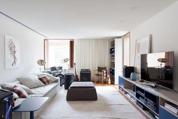 Acerte na decoração da sala de TV Inspirese em 12 espaços criados