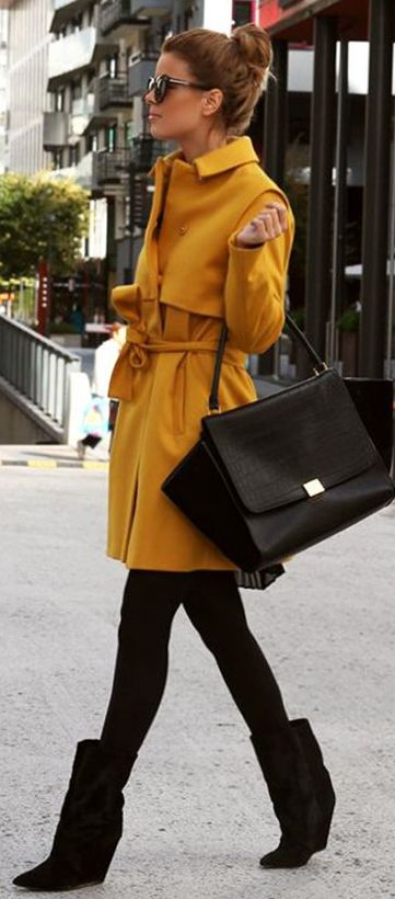Fall / winter - street & chic style - black leggins + mustard coat