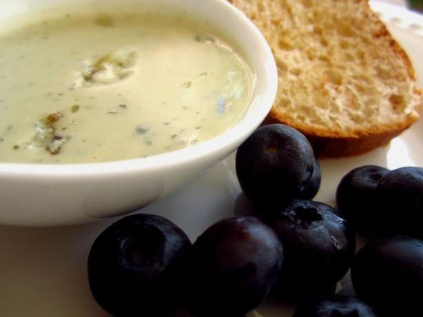 Gorgonzola Garlic Bread | Recipe