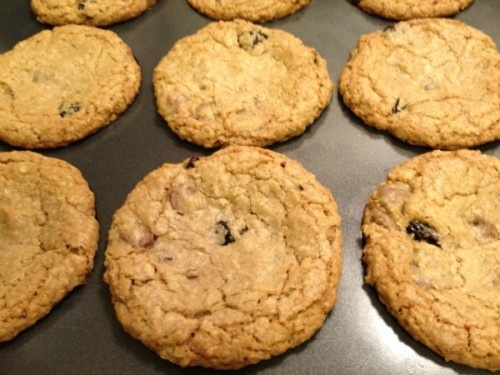Guest Post} Chocolate Cherry Oatmeal Cookies