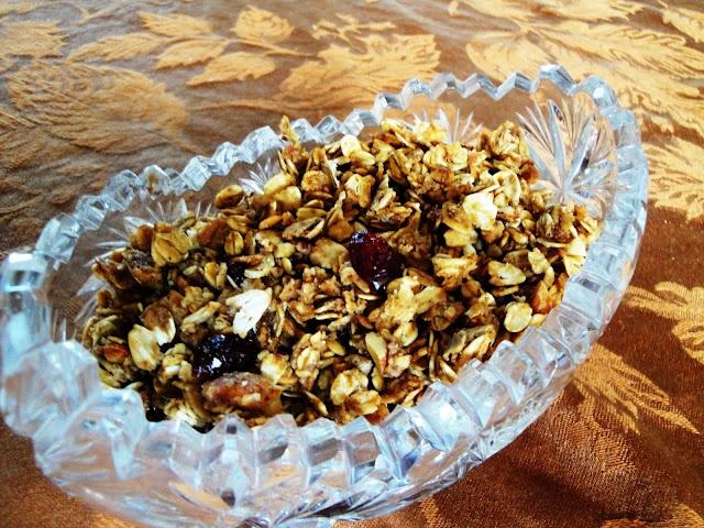 Crunchy pumpkin pie granola | Breakfast Recipes | Pinterest