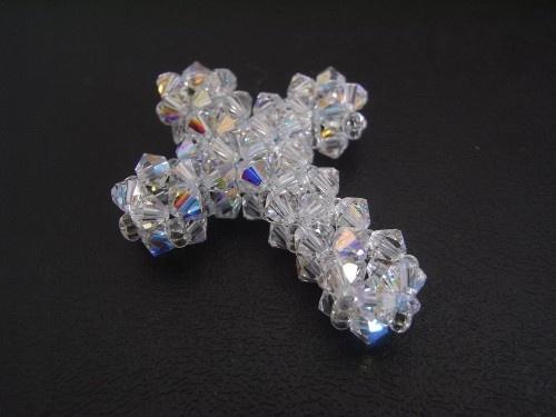 Beaded Cross Pendant Tutorial TWR038 | jewelry projects | Pinterest