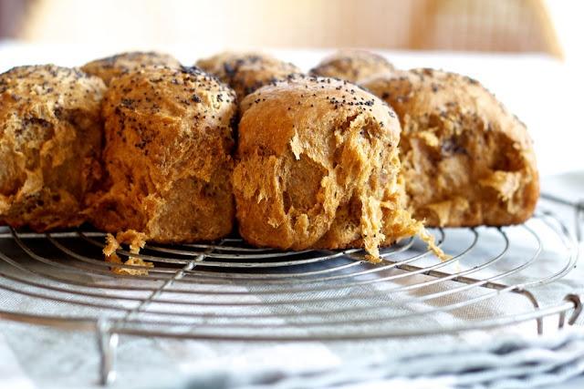 Heavenly Oatmeal-Molasses Rolls Recipe — Dishmaps