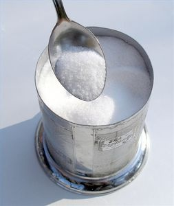 How to Keep Sugar From Clumping: place a teaspoon of rice in a mesh or cloth teabag and place at the bottom of your sugar bowl to absorb moisture- I'm going to try this!