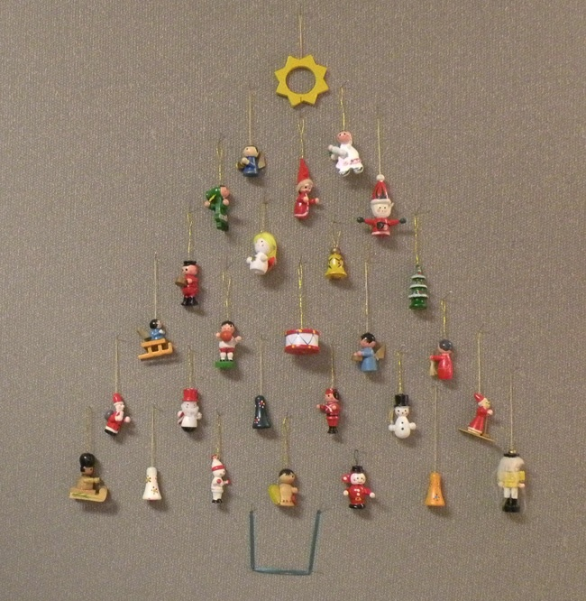 Christmas Wall Decoration Ideas For Office : Pin by wilneida velez lespier on cubicles