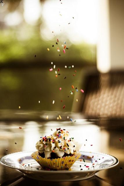 Red Velvet Cupcake & Sprinkles | Cupcake Art | Pinterest
