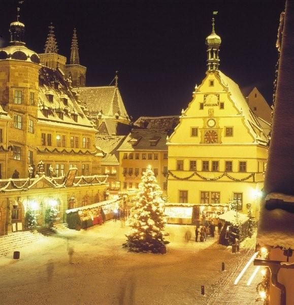 Decorations In Germany During Christmas : Rothenburg christmas germany