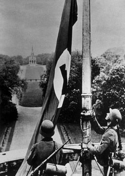 ww2 flag raising