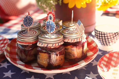 blueberry pie in mason jars | Gotta Eat This | Pinterest