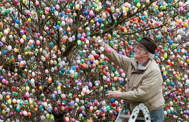 This German family decorates an Easter tree with over 9000 (yes, 9000) Easter eggs every year.