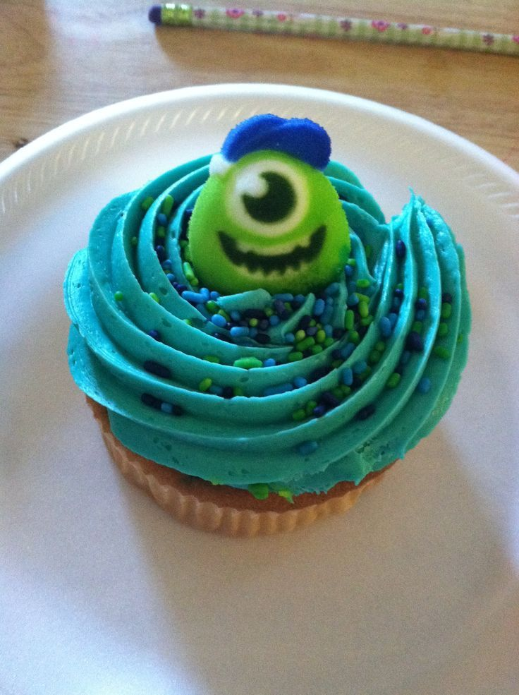 Monsters Inc Cupcakes | Monsters Inc. cupcake