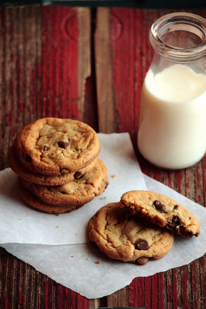 Chewy Chocolate Chip Cookies - Adding the molasses is a great idea ...