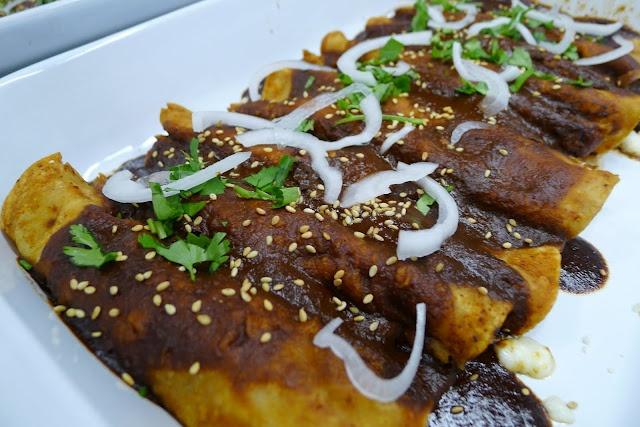 Enmoladas (Chicken Mole Enchiladas) - Miss my abuela, she made the ...