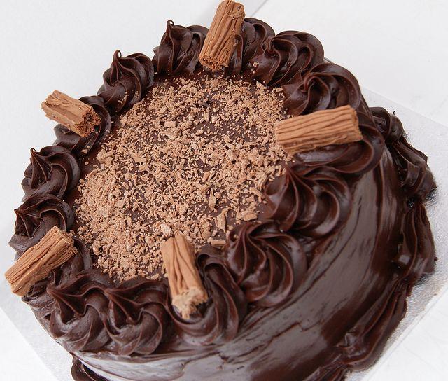 rich chOcOlate fudge cake | cakes... | Pinterest