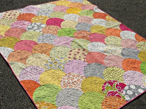 Summer Scoops Scallop Quilt Tutorial | stuff to sew | Pinterest