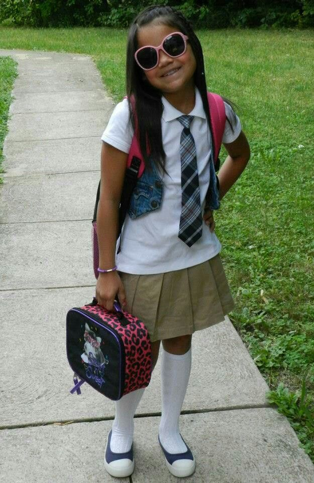 Oct 05, · When picking accessories for a school uniform, your best option is to go with the colors of the uniform. Also, colors like white, black, gold and nude generally go with any school uniform%(2).