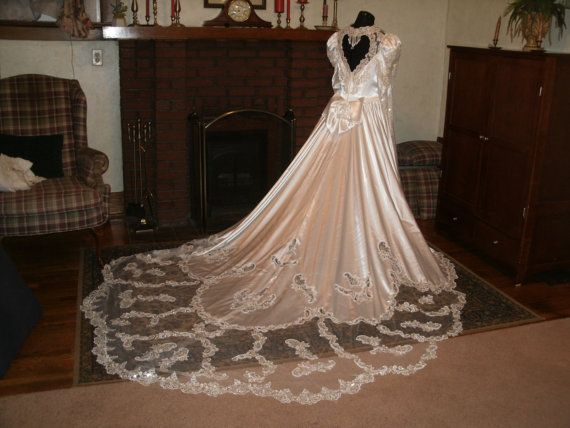 Alfred angelo pearl white gloss satin wedding dress by myckkia