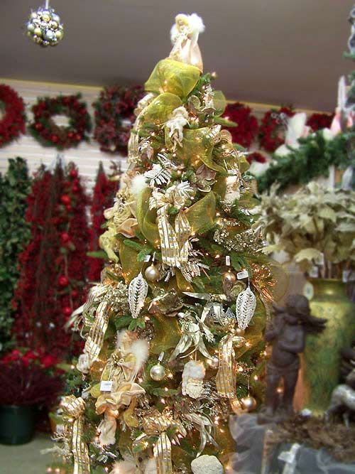 Green gold and silver themed tree christmas decorations for Green and gold christmas tree