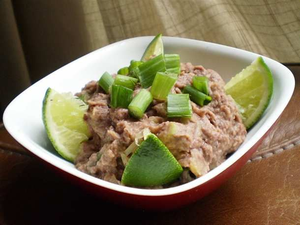 Healthy Delicious Black Bean Dip. Fast and easy in the #Vitamix