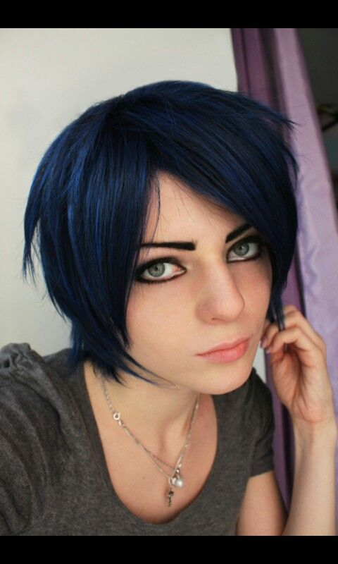 Short midnight blue hair | Hair | Pinterest