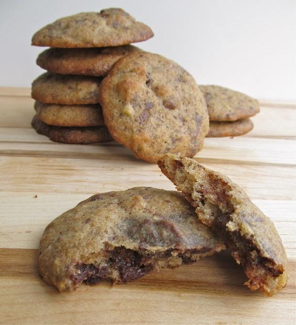Banana walnut chocolate chunk cookies | Yumm :) | Pinterest