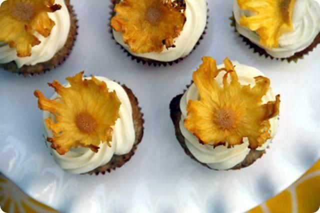 Hummingbird Cupcakes with pineapple flowers