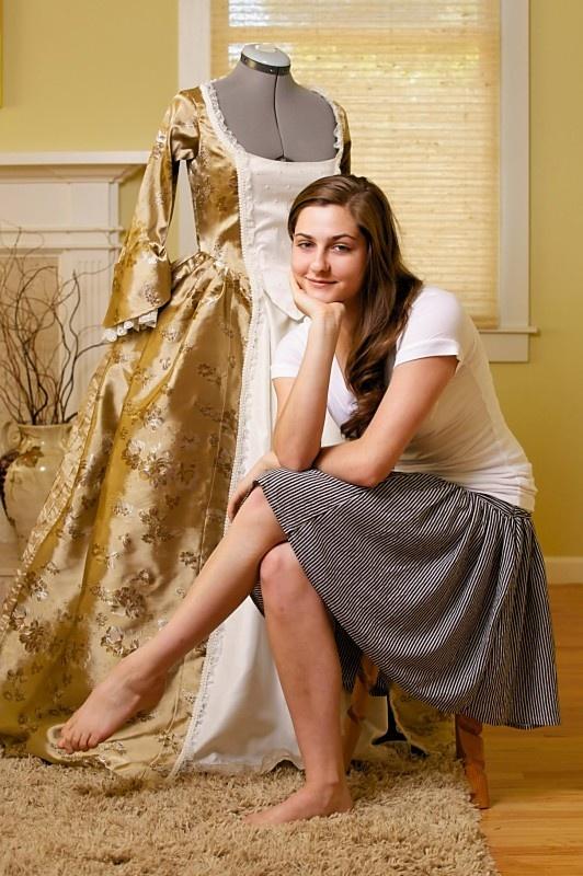 Elizabeth Swan inspired dress   costume design   Pinterest: pinterest.com/pin/561964859722796602