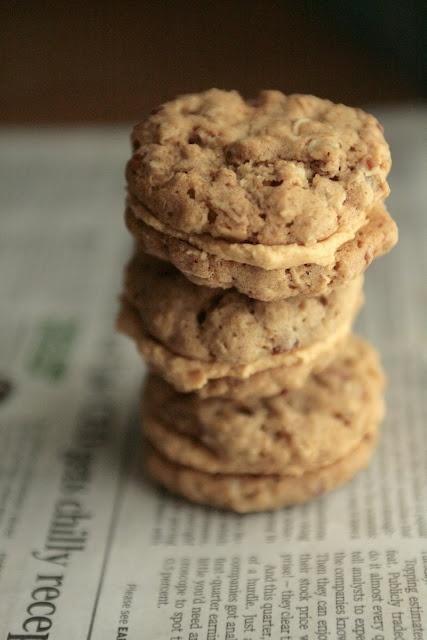 Peanut Butter Oatmeal Sandwich Cookies | Baking #Cookies | Pinterest