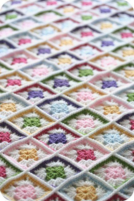crochet blanket CROCHET AND KNIT INSPIRATION: http://pinterest.com/gigibrazil/crochet-and-knitting-lovers/