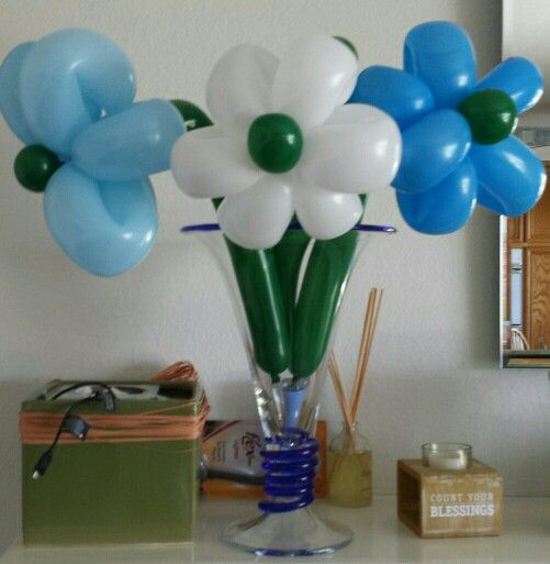 flowers and balloons for valentine's day