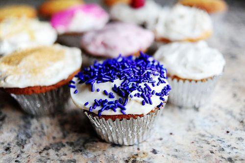 Basic Vanilla Cupcakes with Vanilla Cream Cheese Icing | Recipe