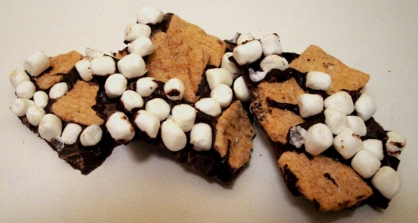 mores Chocolate Bark | The Cereal Baker | Pinterest